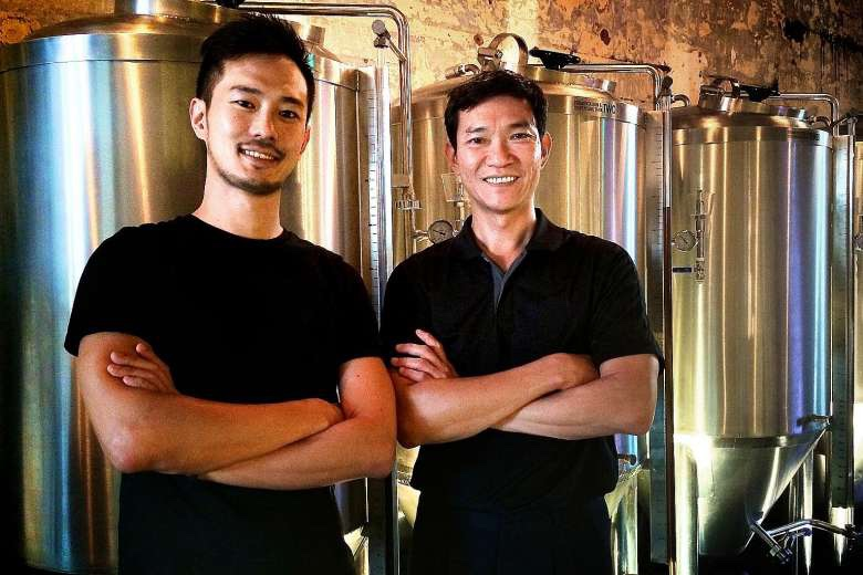 The 1925 Microbrewery & Restaurant's director Ivan Yeo and brewmaster Yeo King Joey (right) will be taking their beer to Beerfest Asia 2016.